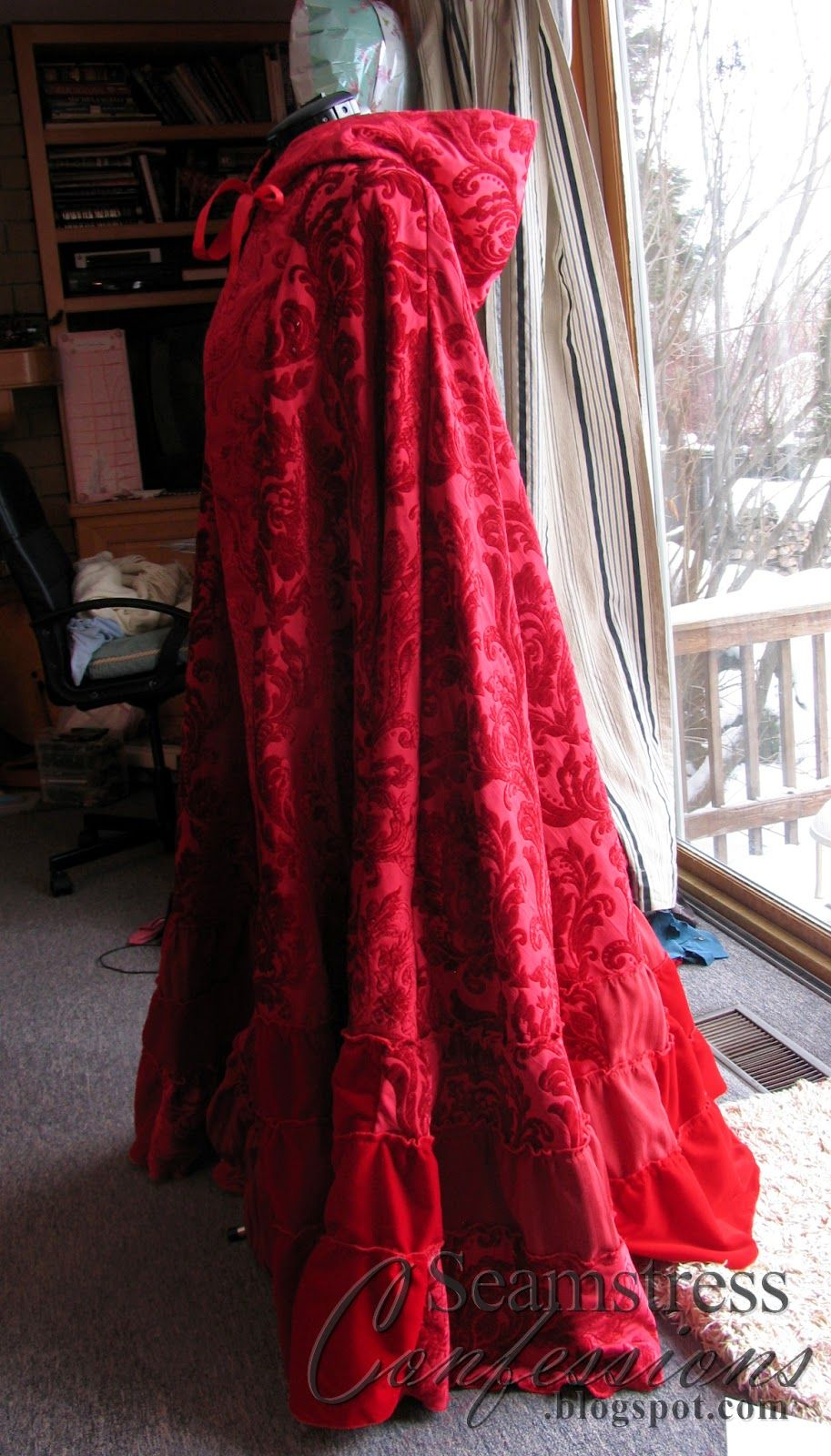 Confessions of a Seamstress: Ruby/Red's Cloak from Once