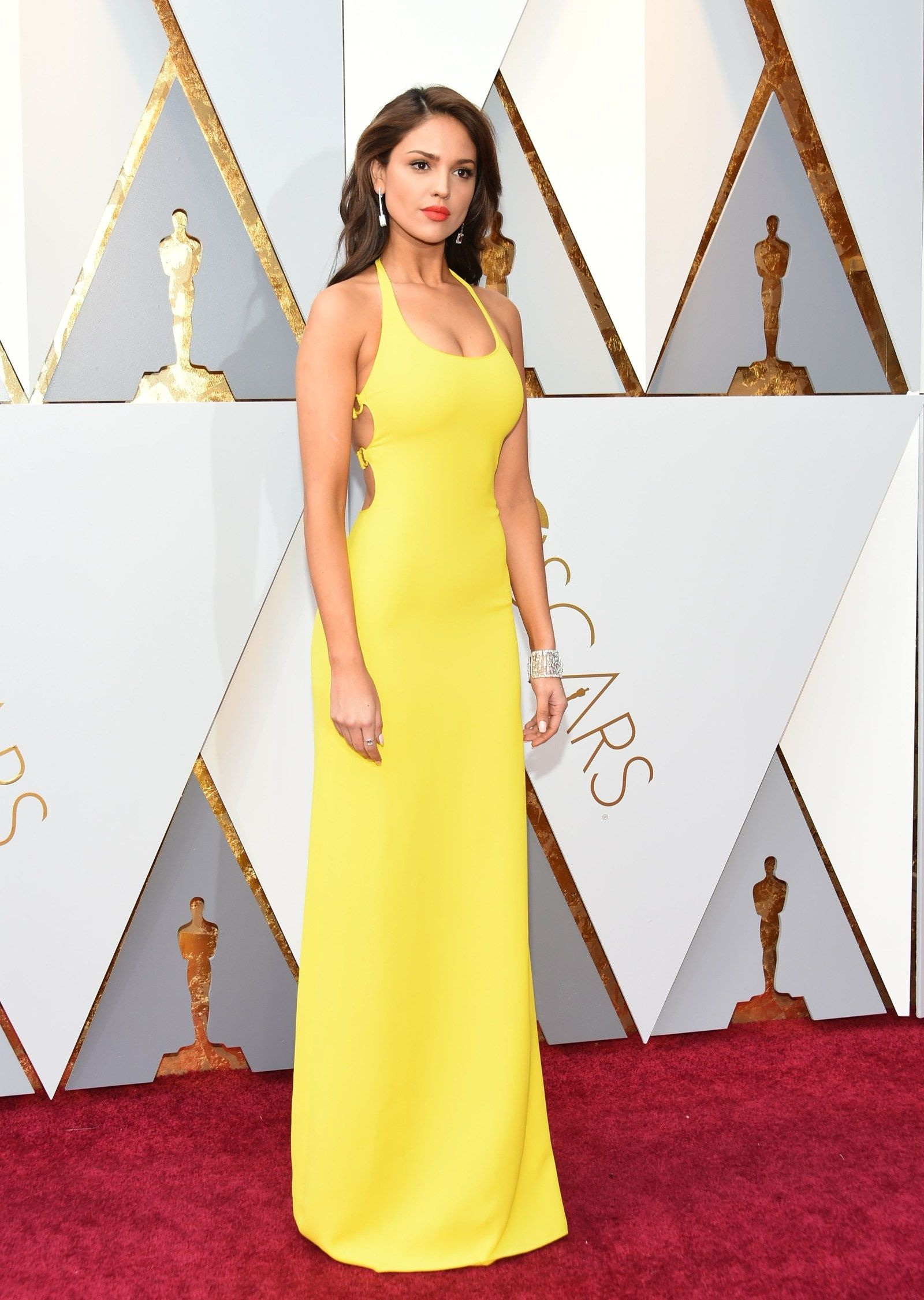 All Of The Looks On The Oscars Red Carpet Eiza González