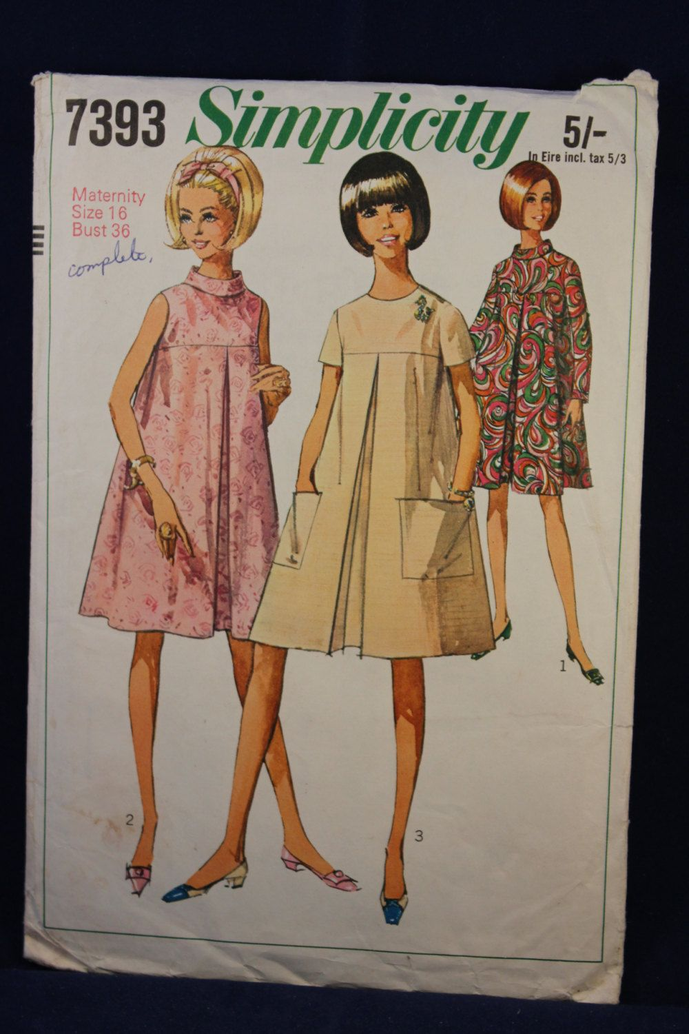 Sewing pattern simplicity for a womanus maternity dress in size