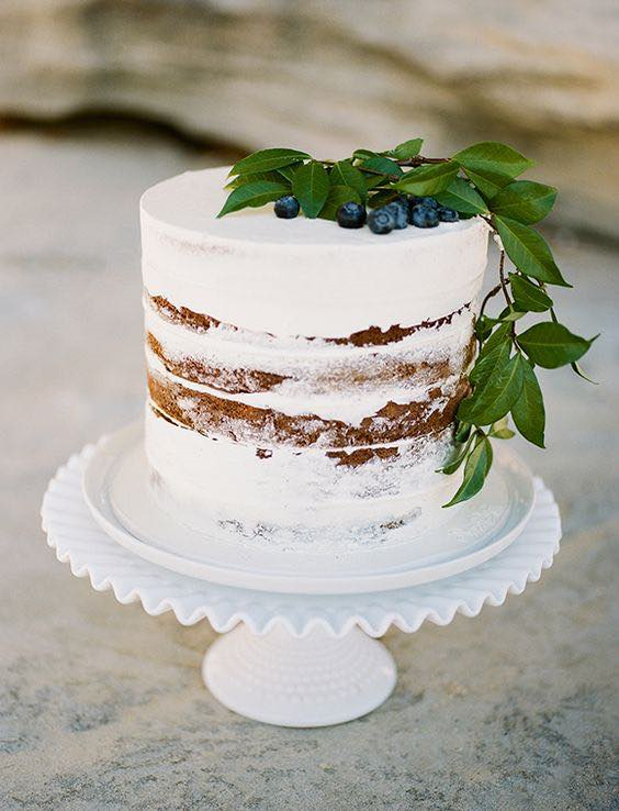 17 Naked Cakes and How to Make Your Own Berries Wedding cake and