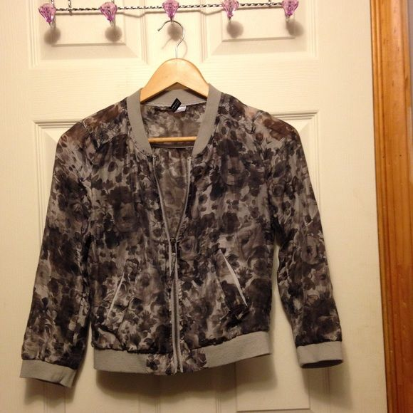 Sheer zip up cardigan 3/4 sleeves very pretty material H&M Jackets & Coats