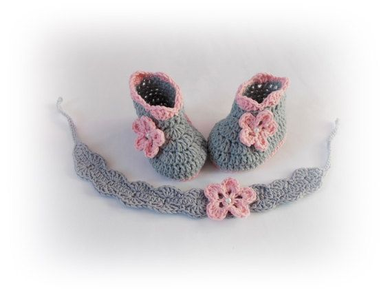 bba495f1acfe3 Crochet baby shoes Gray headband shoes Set shoes by ROSSIBOUTIQUE ...
