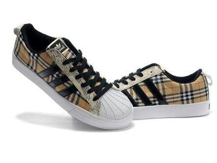 new product 17e17 ceaba Adidas burberry design