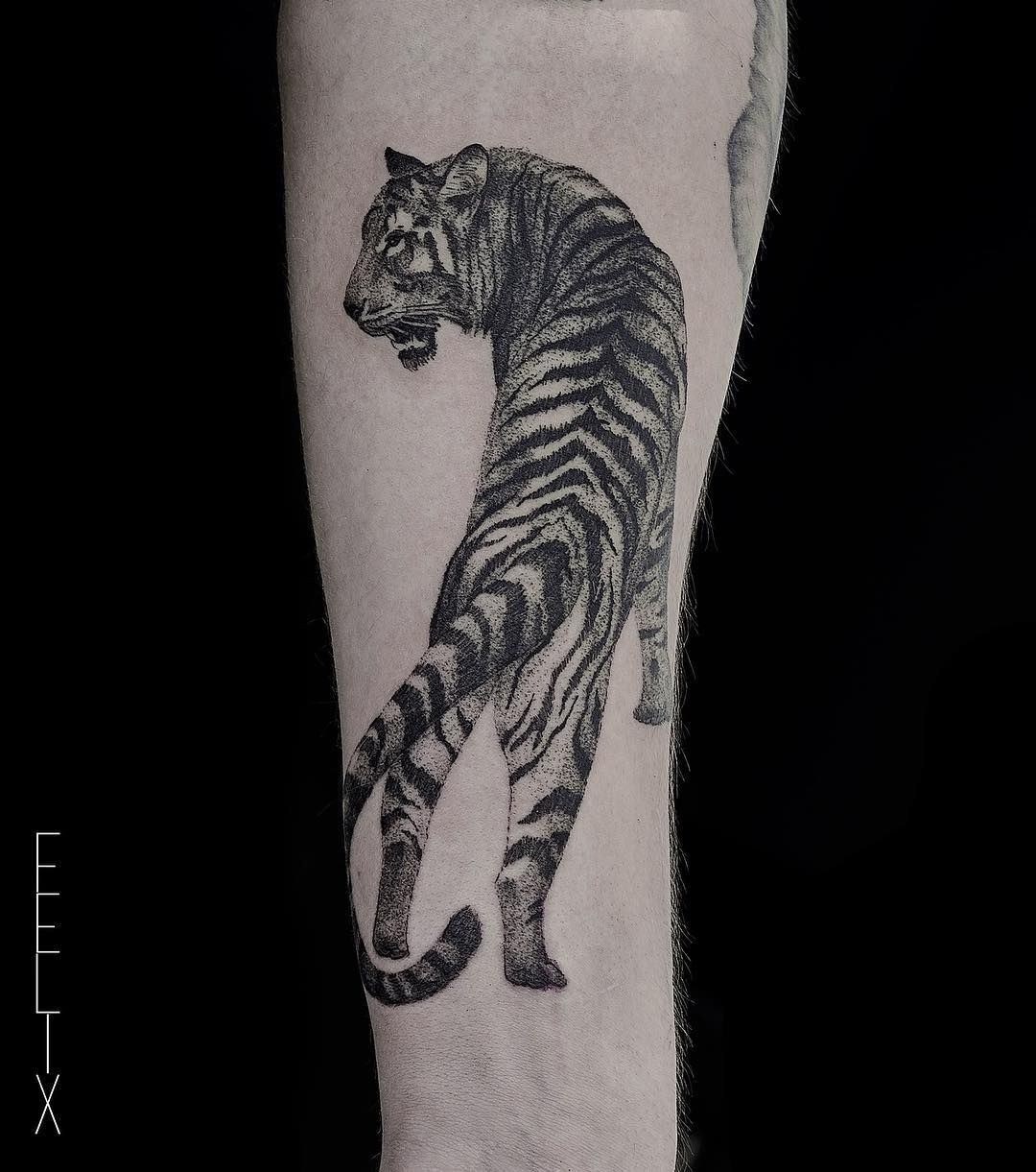 tiger tattoos meaning and design ideas tiger tattoo ideas pinterest blackwork und instagram. Black Bedroom Furniture Sets. Home Design Ideas