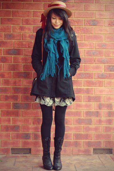 Découvrez quelle écharpe avec manteau noir porter et mettre autour de son  cou et de quelle façon a mettre autour de son manteau de couleur noir. 3b54bc1502a