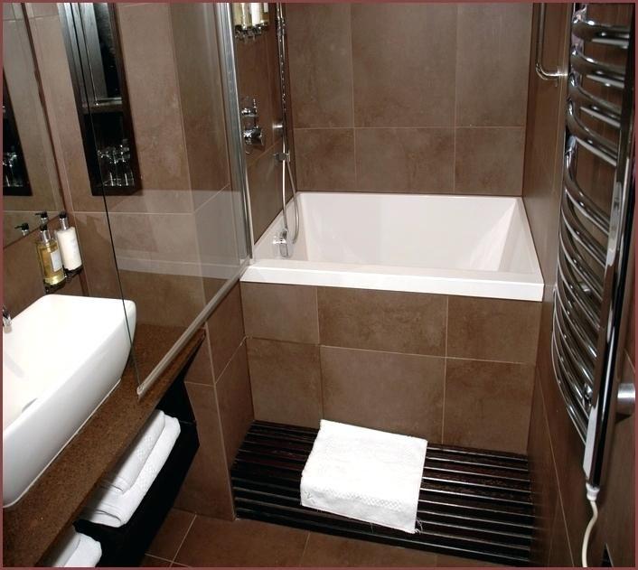 Cheap Small Corner Bathtub Sizes Photograph Bathtub Sizes Bathtubs For Small Bathrooms Soaking Tub Shower Combo
