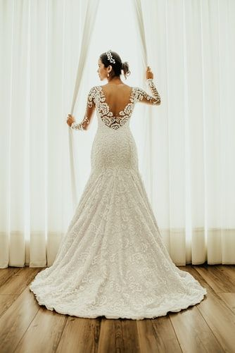 Harris Dry Cleaners In 2020 Wedding Dresses Unique Ball Gown Wedding Dress Wedding Dresses