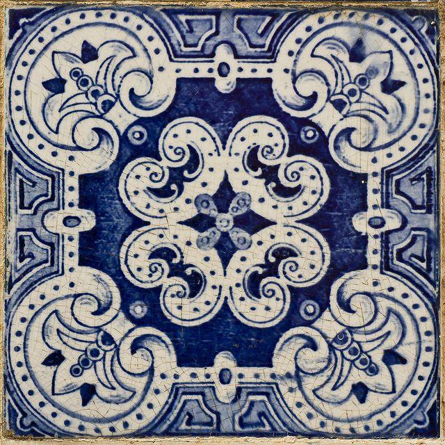 Azulejos Portugueses - 142 by r2hox, via Flickr