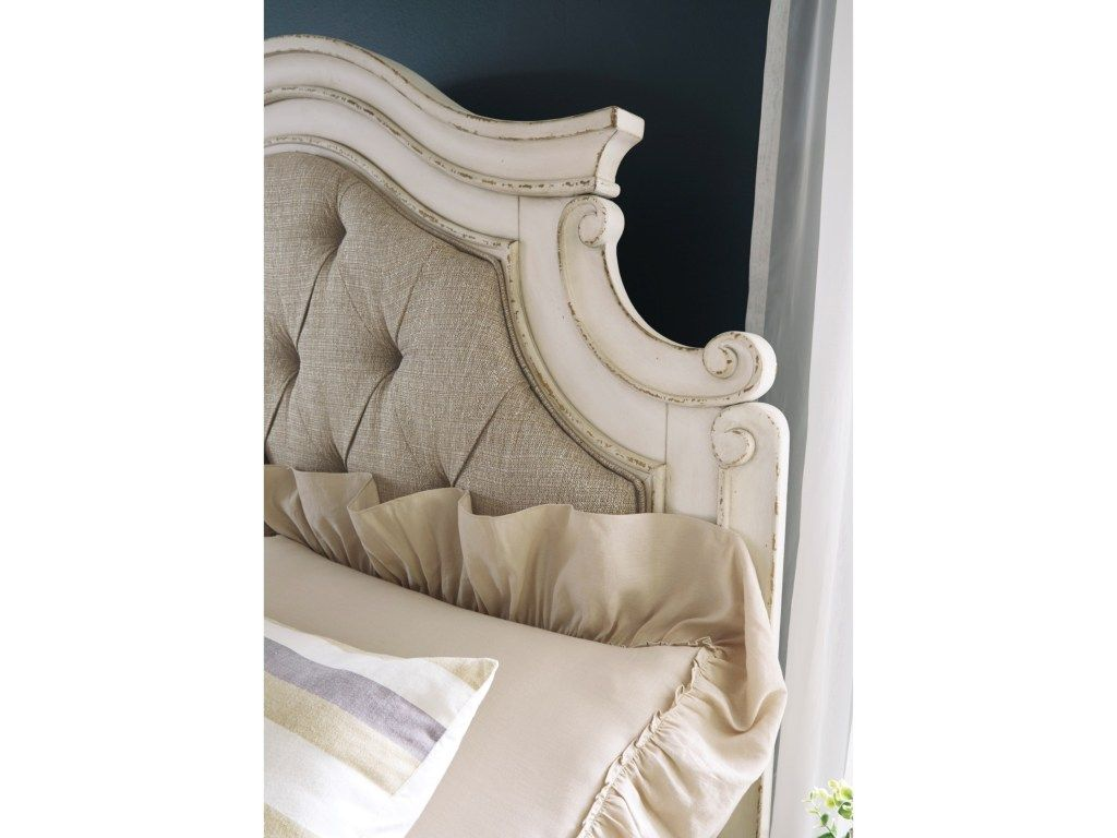 Best Signature Design By Ashley Realyn Queen Upholstered Panel Bed With Button Tufting Miskelly 400 x 300
