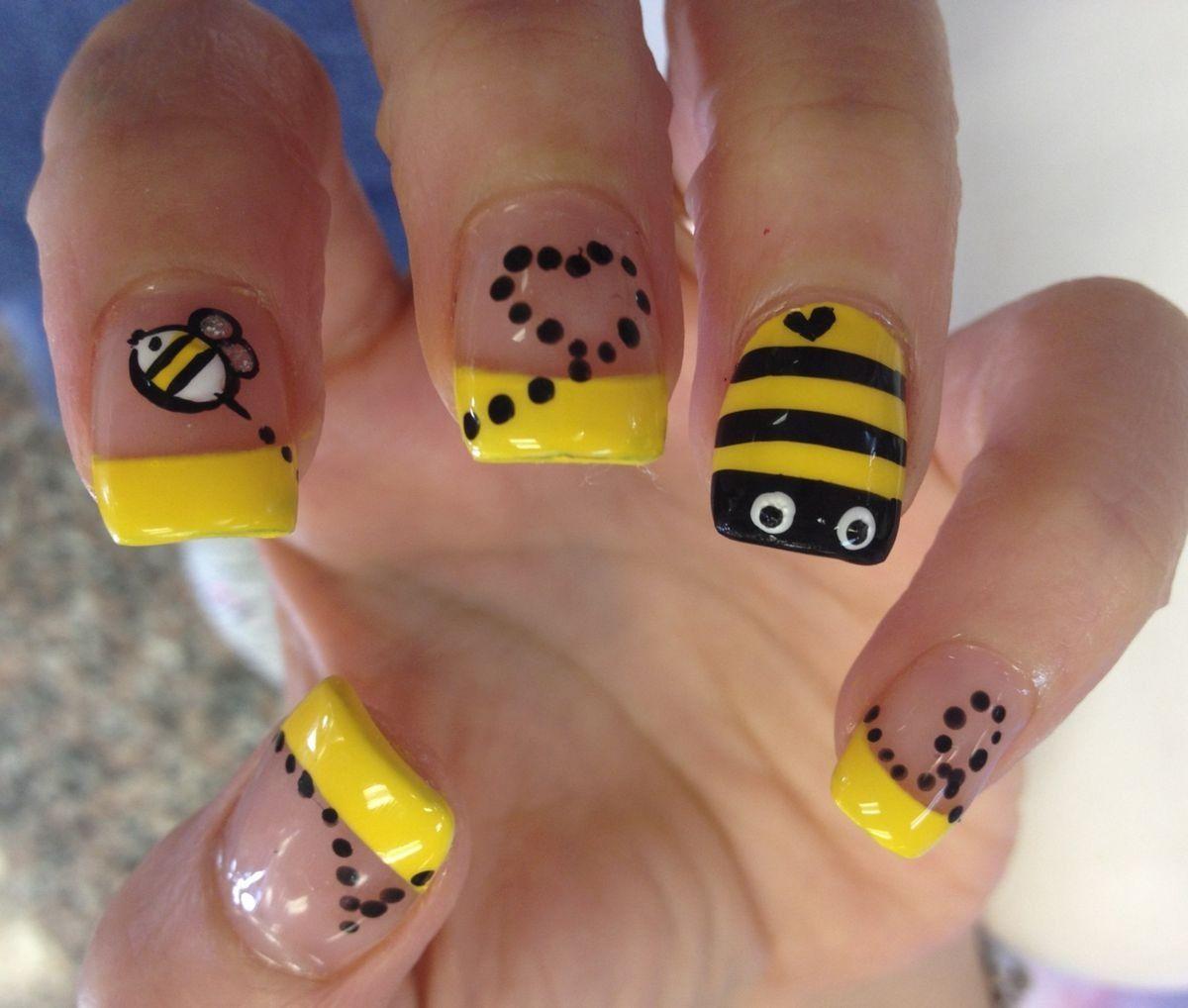 Nail Art Ideas Bee Design Nail Art Pictures Of Nail Art Design Ideas