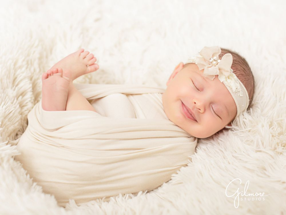 Lifestyle baby photographer newport beach ca smiling child little girl