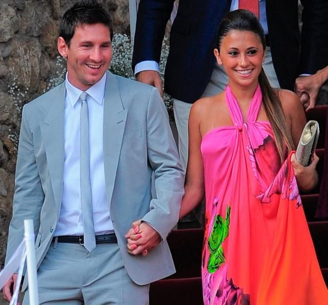 Awesom Eee Soccer Players Lionel Messi Wife Girlfriend