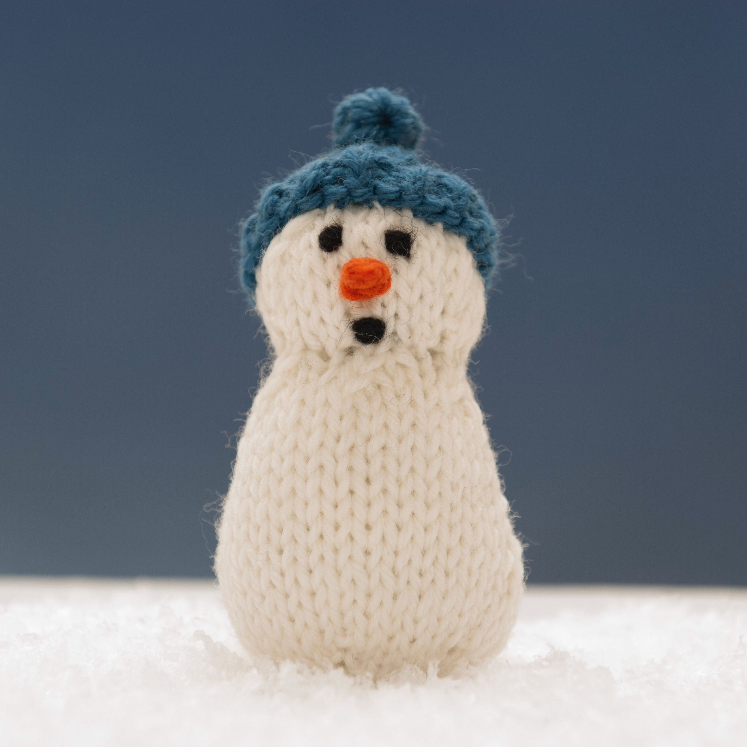 Claude from Snowman Family 2 knitting pattern. | Squibblybups ...