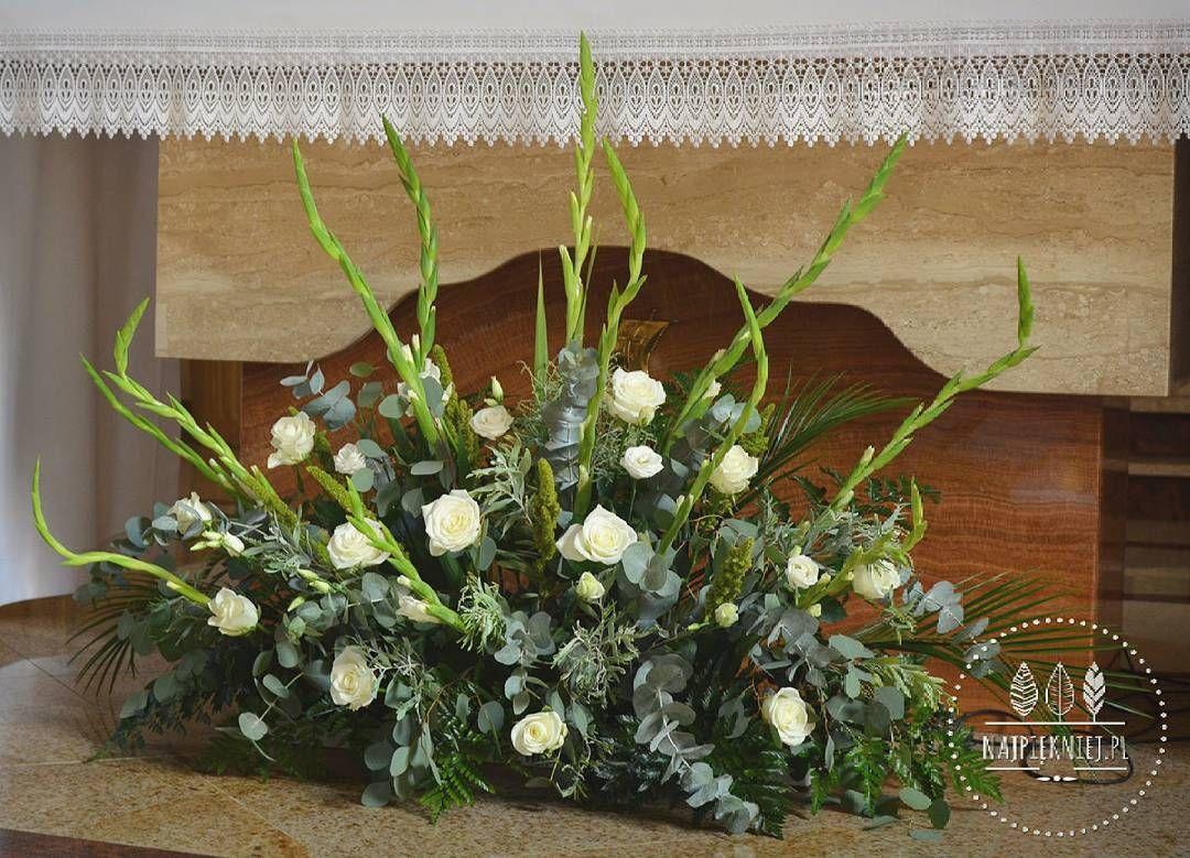 Eukaliptusowe Dekoracje Oltarza Wedding Wesele Slub Bouquet Bukiet Dekoracje Autumn Jesien White Green Wreath Greenery Plants Decor Church