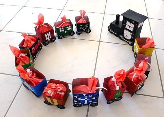 Adventszug aus Milchtüten - Weihnachten-basteln - Meine Enkel und ich - Made with schwedesign.de #bastelideenweihnachten