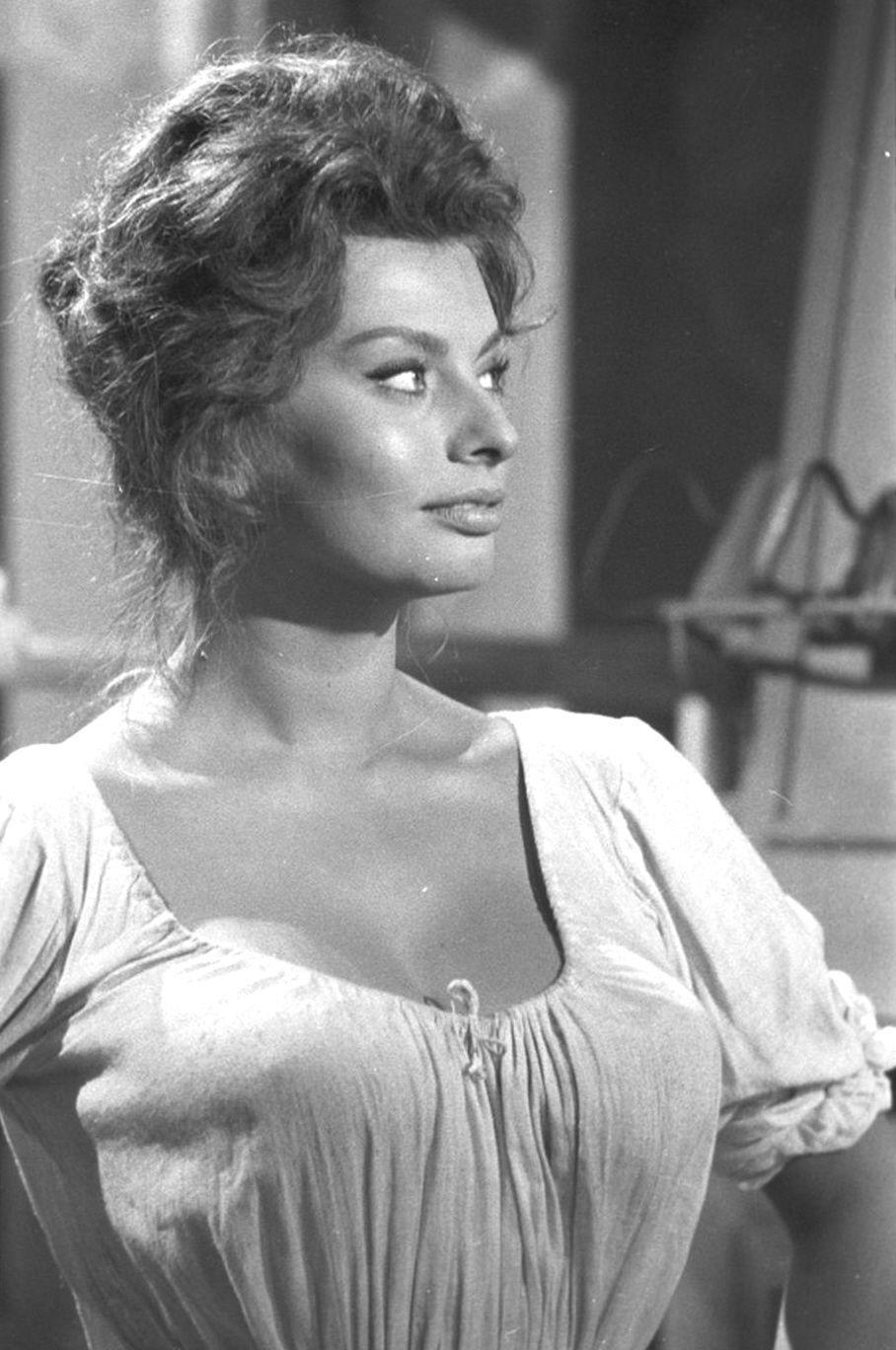 Sophia Loren so beautiful 8 | Sophia Loren A Classic ...