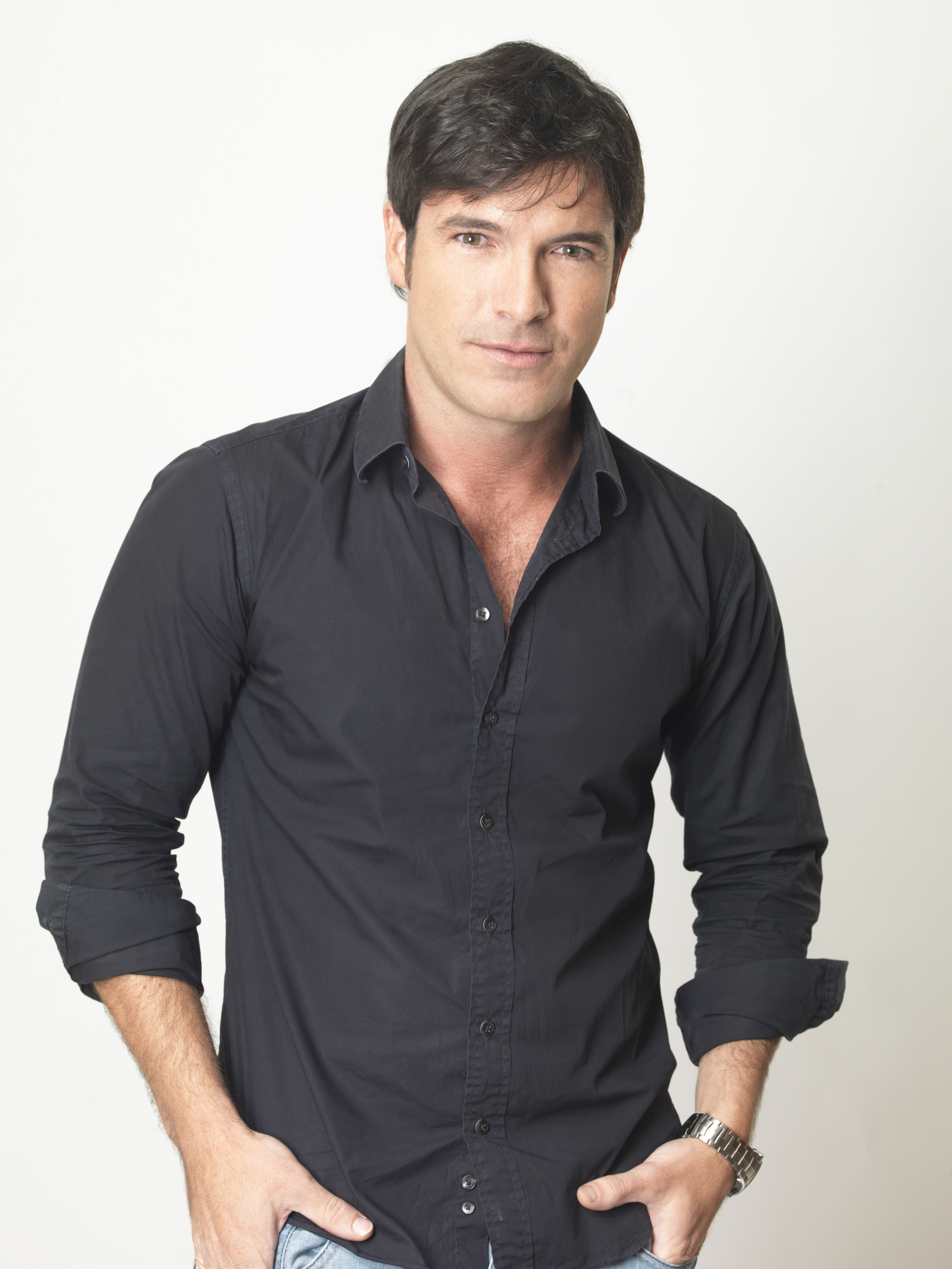 Marco de Paula como Gerardo Altamirano Jr. - Rosa Diamante Telemundo ...