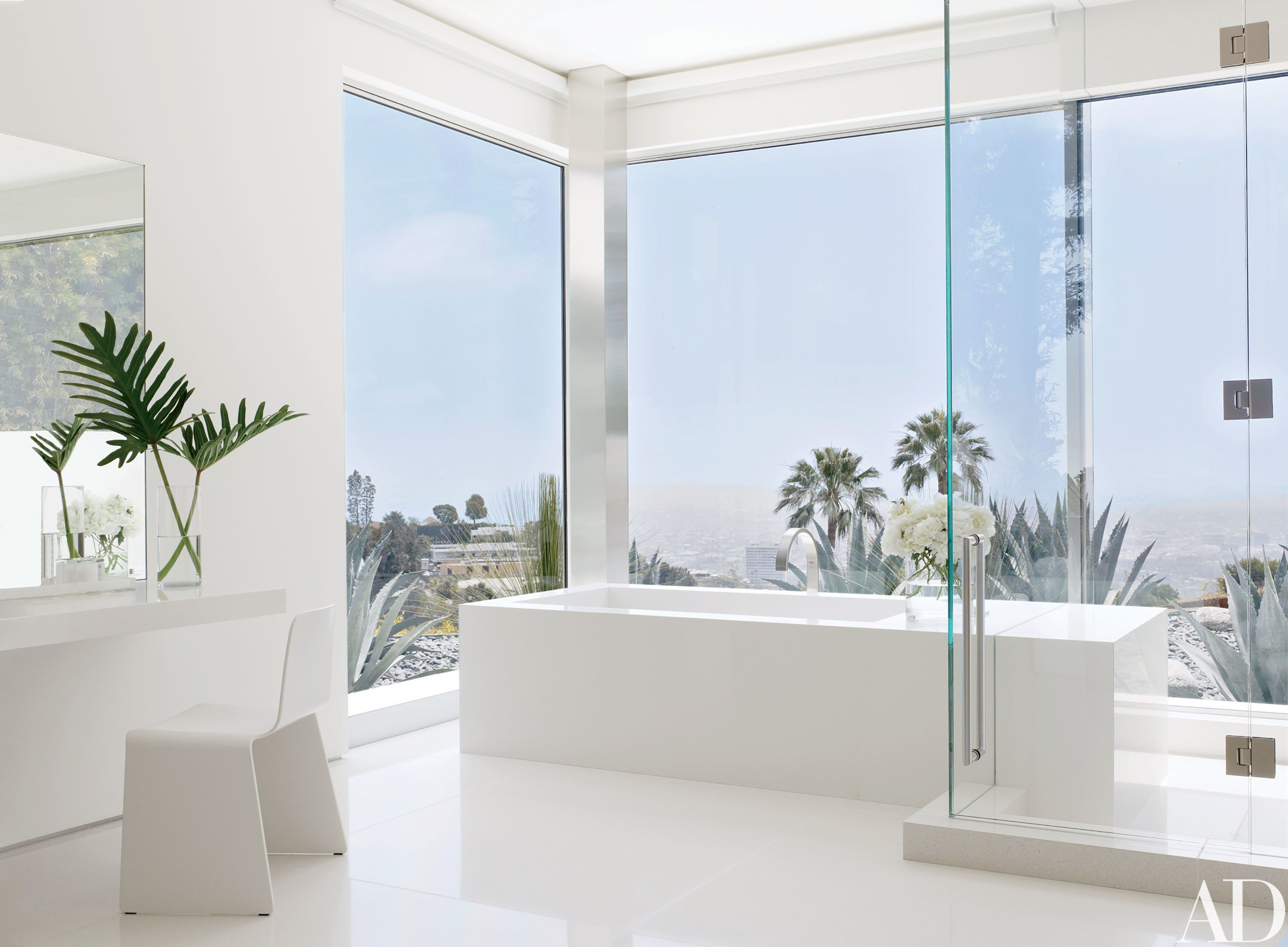 Look Inside a Minimalist Beverly Hills Home | Architectural digest ...