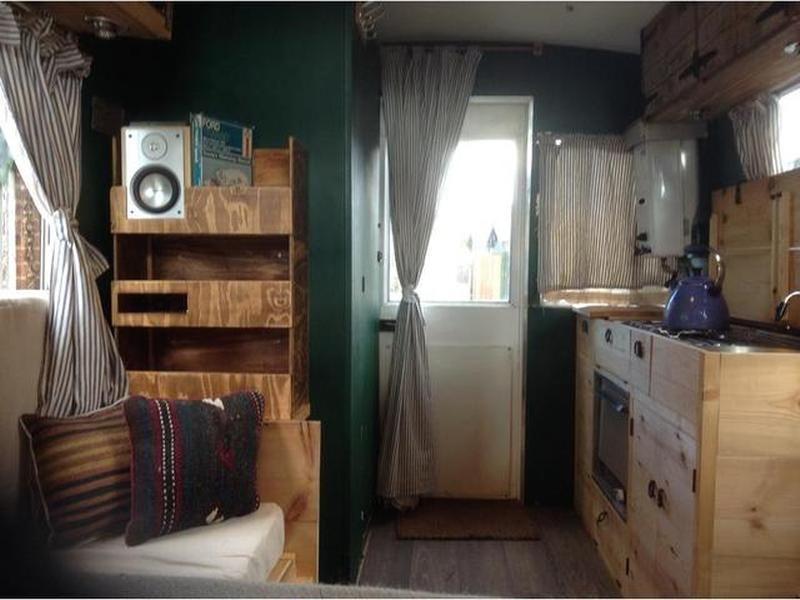 ford transit mk1 petrol photos motorhome trader mobile. Black Bedroom Furniture Sets. Home Design Ideas