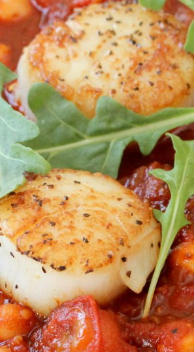 Scallops with Stewed Tomatoes and Chickpeas