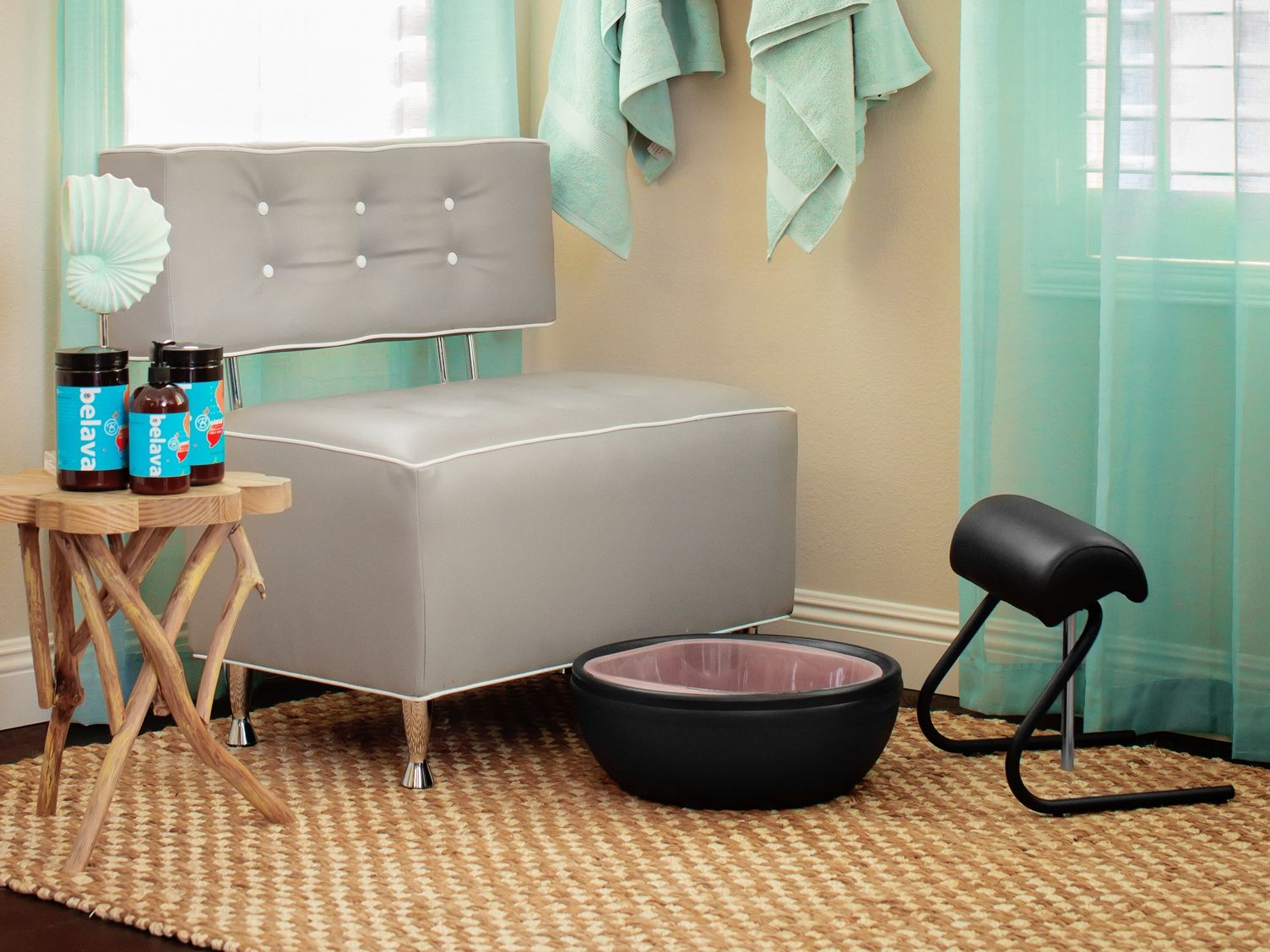 The Trio Foot Spa Freestanding Footrest Turn Our Lounge Chair Into Another No Plumbing Pedicure Stati Pedicure Station Salon Furniture Beauty Salon Furniture
