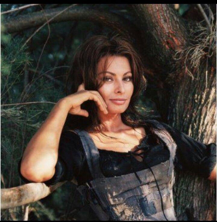 Gorgeous Sophia loren
