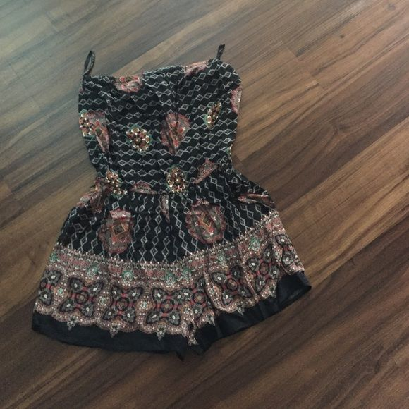 Romper size small Good condition Dresses Mini