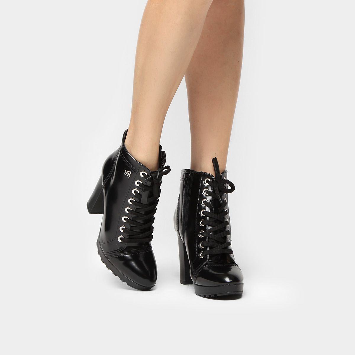 56c3a91c6 Compre Bota Coturno Via Marte Tratorada Feminina Preto na Zattini a nova  loja de moda online