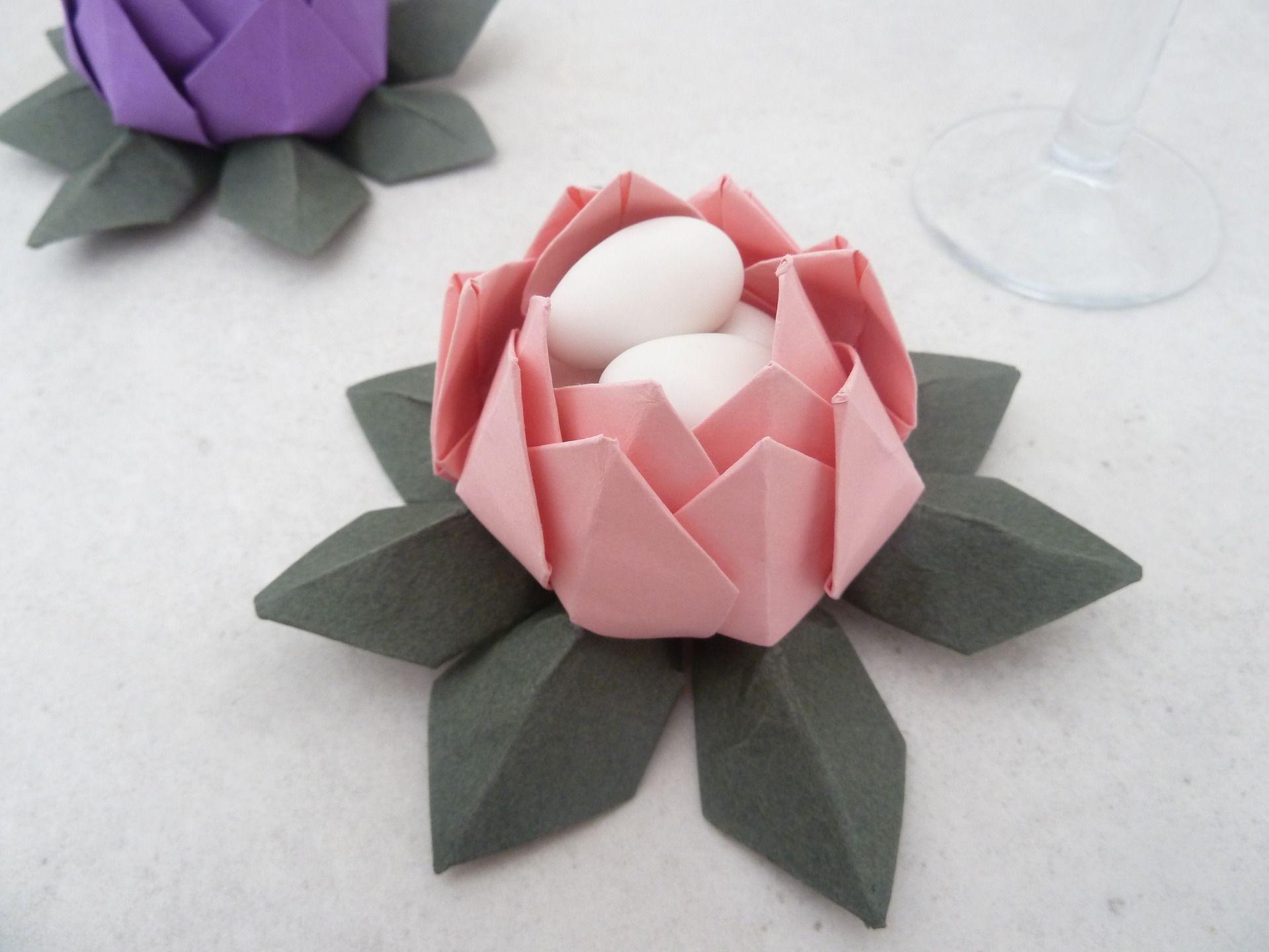 cadeau invit s contenant drag es fleur de lotus en origami rose vert pour mariage. Black Bedroom Furniture Sets. Home Design Ideas