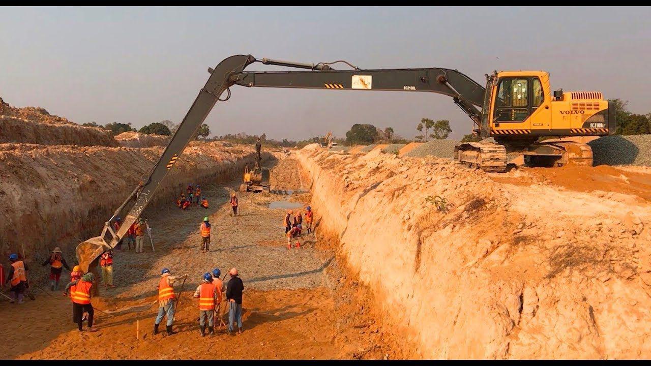 អិចស្កាដៃវែងកាយភក់ស្តាប្រឡាយ Long Reach Excavator