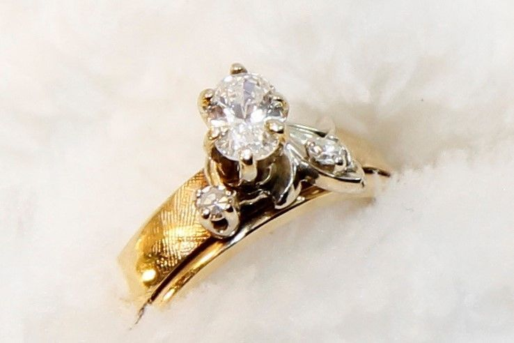 Antique Art Deco 14K Yellow Gold Natural Diamond Engagement Ring
