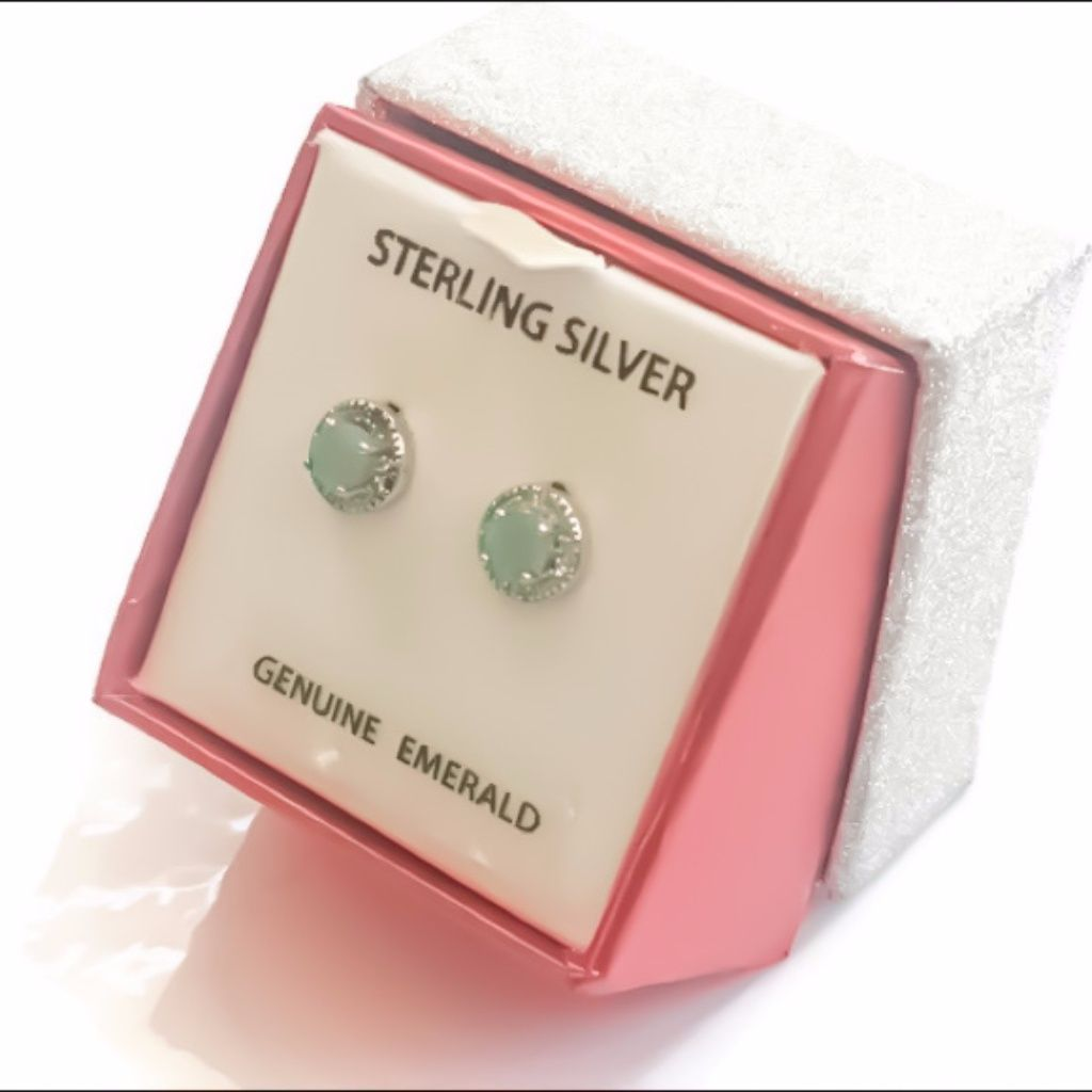 Salevtg 925 Emerald Studs