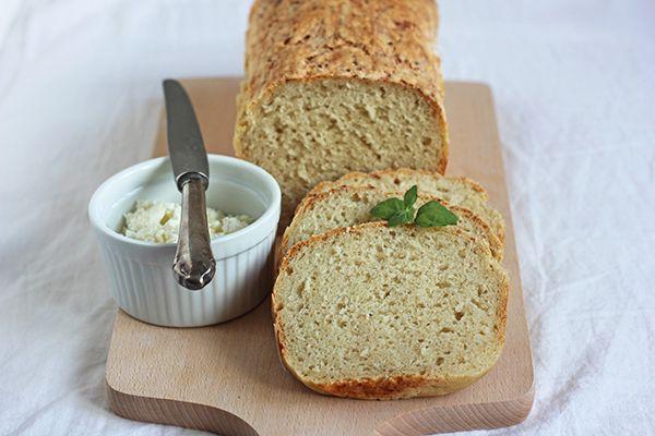 Przepis na leniwy chleb nocny. Sprawdź nasze przepisy i smakowite historie. Pokazujemy, że pieczenie domowego pieczywa nie jest trudne.