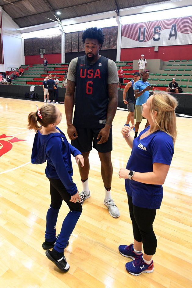 There s Just Something Funny About This Photo Of DeAndre Jordan And A Tiny  Gymnast 1ca1b931b