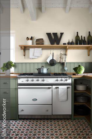 Küchengestaltung in Dunkelgrün Tablewares and Kitchens - wandfliesen für küche