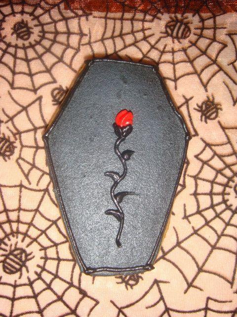 Red Rose Coffin Sugar Cookies #halloweensugarcookies