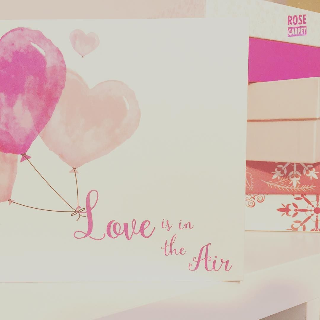 "Février !! Nouveau mois donc nouvelle GlossyBox la ""Love is in the air""  #glossybox #glossybox #box #beauty #makeup #makeupaddict #makeupcollection #love #girl #pink #loveisintheair #benefitcosmetics #nickak #fevrier by cavita83"