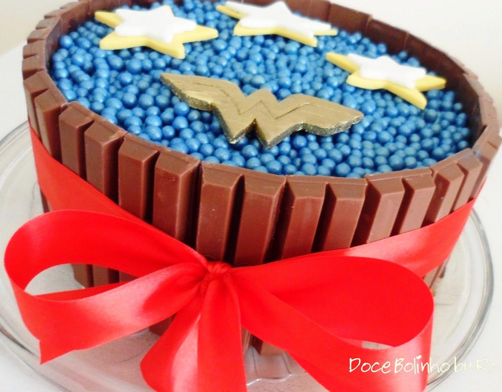 Bolo De Aniversário: Bolo Kit Kat - Mulher Maravilha