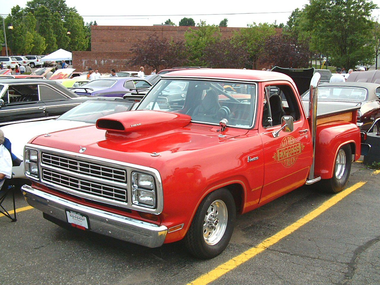dodge lil red express 1978 dodge lil red express truck with 426 hemi frt qtr bennigan s car. Black Bedroom Furniture Sets. Home Design Ideas