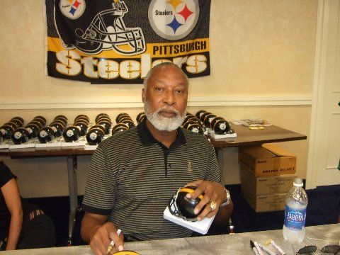 L.C. Greewood - Legendary Pittsburgh Steelers Defensive Player, D!es Of Kidney Failure at 67, L.C. was a 10th round draft pick from Arkansas and joined the Steelers in 1969.