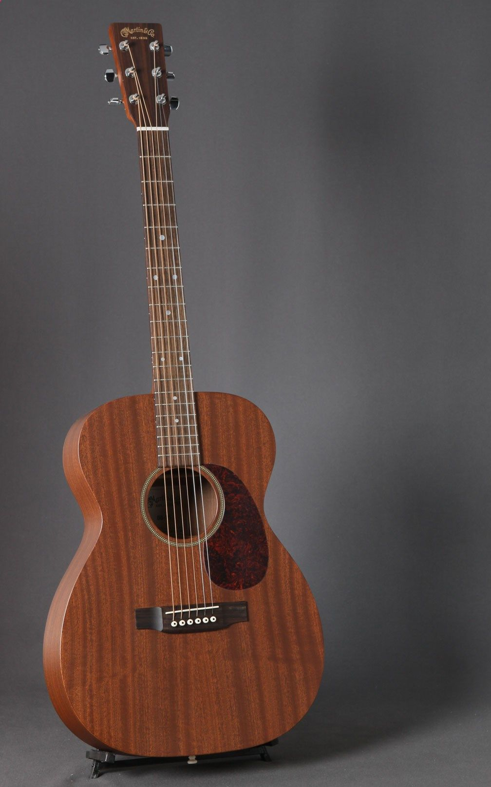 Acoustic Guitar C F Martin Co 00 15 Mahogany Wood Acoustic Guitar Photography Music Guitar Martin Guitar