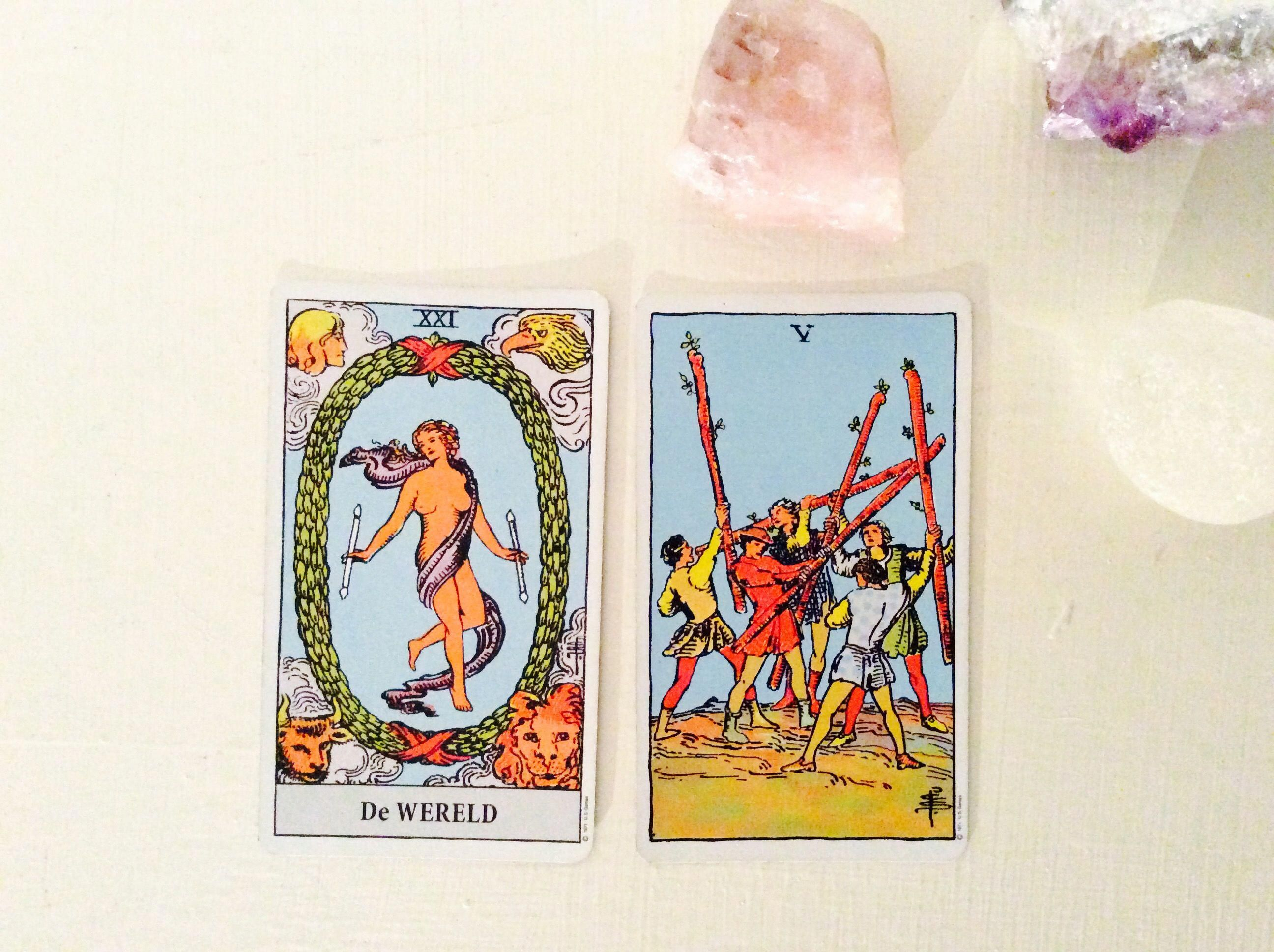 How to read in 4 steps tarot card combinations as a pro