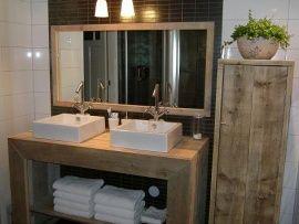 Spiegelkast Badkamer Hout : Badkamer meubel recht van steigerhout 131404076bd badkamer