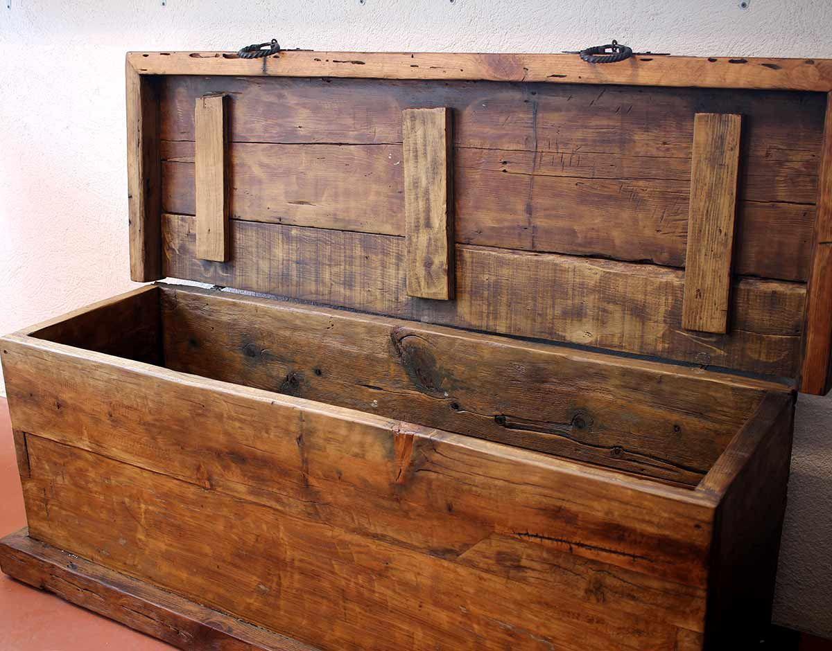 Grand coffre de rangement en pin ancien mobilier authentique mexicain (avec images) | Coffre de ...