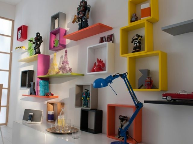 Des Meubles Astucieux Et Sympas Pour Votre Studio Rangement Mural Cube Rangement Etagere Cube