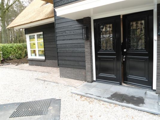 Prachtige villa riet houten geveldelen potdeksel belgian style