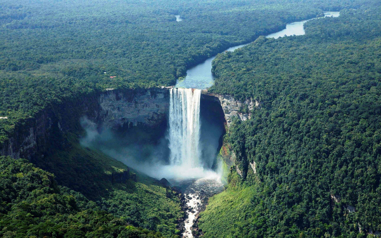 Amazing waterfall in Vietnam