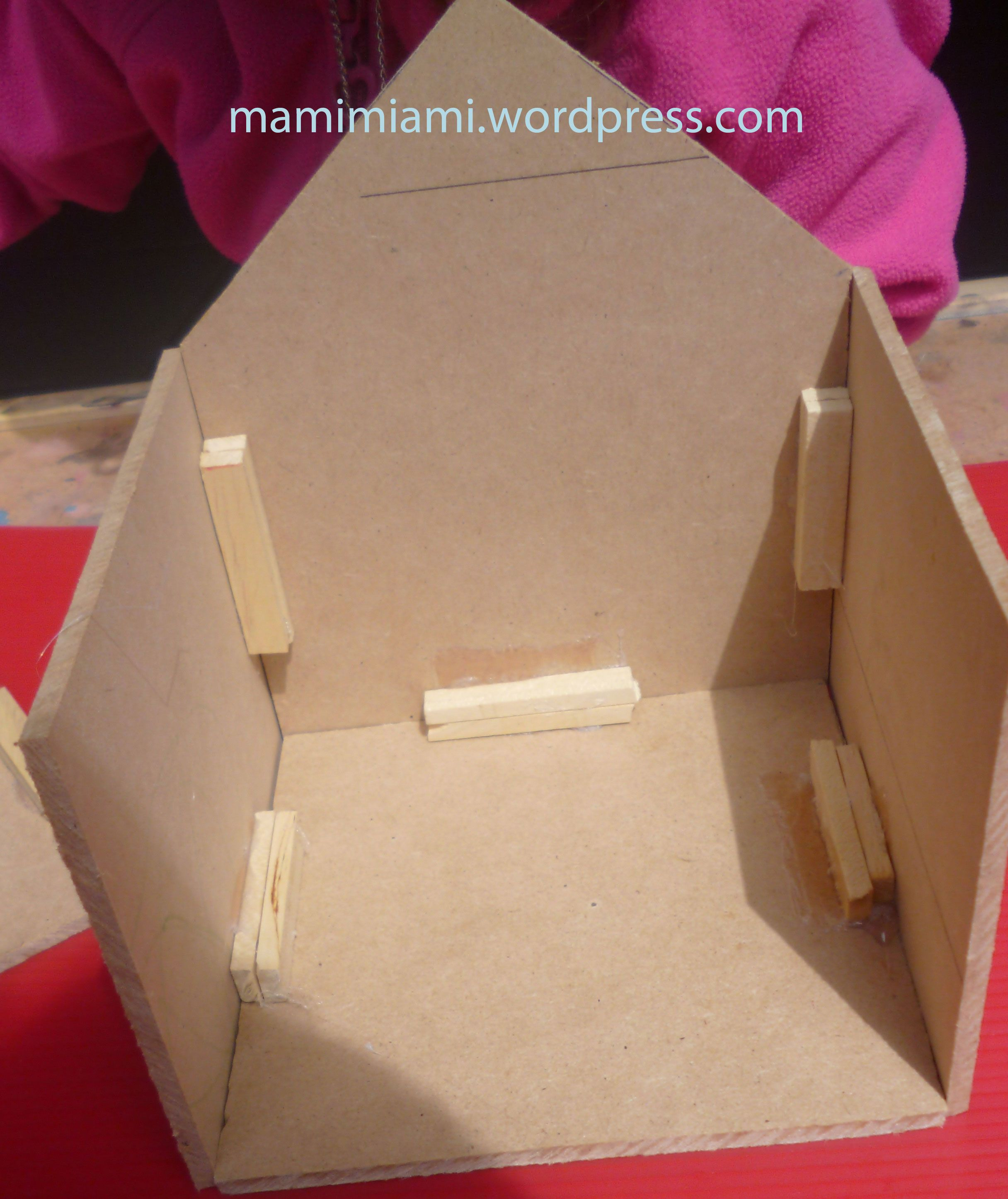 Diy come costruire una casetta per gli uccelli mammamiami casette uccellini pinterest - Casa da costruire ...