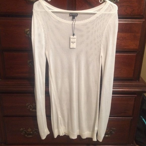 EXPRESS NWT LONG TOP-SIZE SP Never worn Express net 100% rayon top!  Super cute and comfy Express Tops