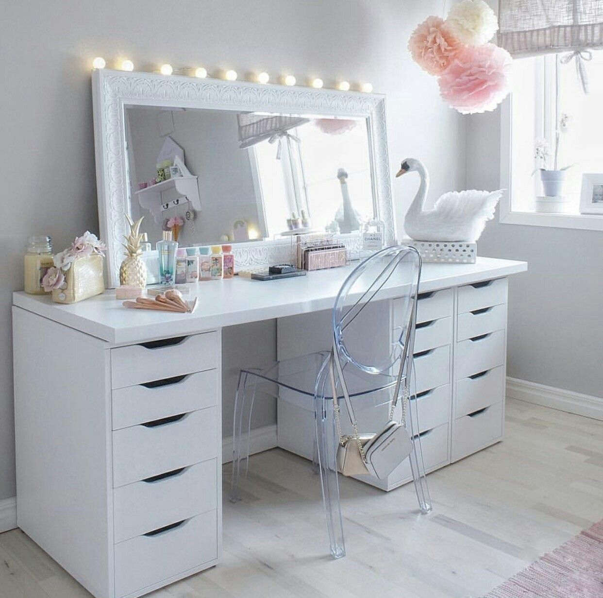 Pin by Elizabeth Medina on Vanities Beauty room vanity